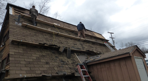 Jackman Maine Information Booth Roof Repair